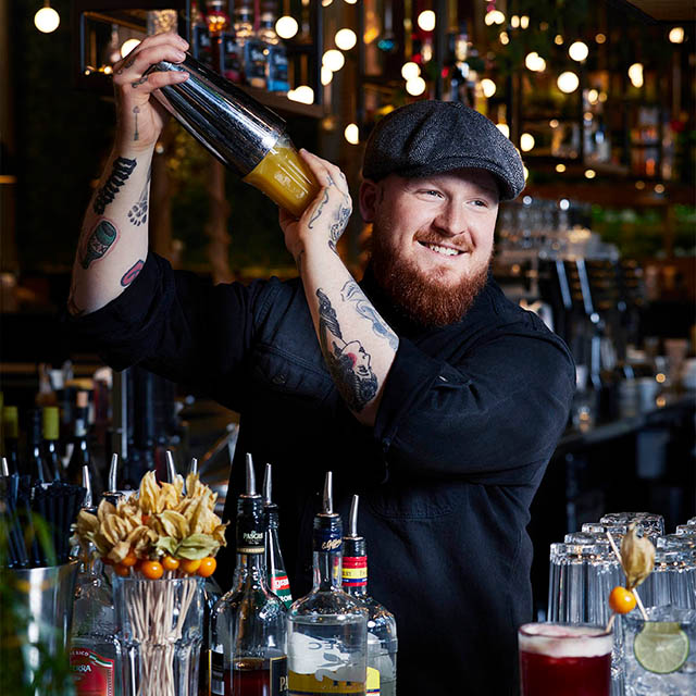 Barkeeper Peter Pane